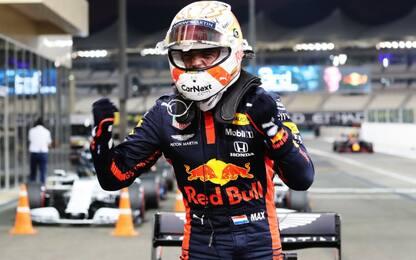 Verstappen, pole a Yas Marina. Leclerc scatta 12°