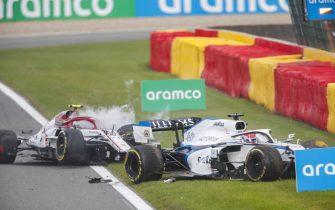 SPA-FRANCORCHAMPS, BELGIUM - AUGUST 30: George Russell, Williams FW43 and Antonio Giovinazzi, Alfa Romeo Racing C39, both start to exit their cars after a collision on track during the Belgian GP at Spa-Francorchamps on Sunday August 30, 2020 in Spa, Belgium. (Photo by Zak Mauger / LAT Images)