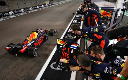Abu Dhabi, vince Verstappen. Ferrari senza punti