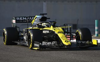 YAS MARINA CIRCUIT, UNITED ARAB EMIRATES - DECEMBER 15: Guanyu Zhou, Renault R.S.20 during the Abu Dhabi Post Season Test at Yas Marina Circuit on Tuesday December 15, 2020 in Abu Dhabi, United Arab Emirates. (Photo by Mark Sutton / Sutton Images)