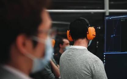 Acceso il motore della McLaren del 2021. VIDEO