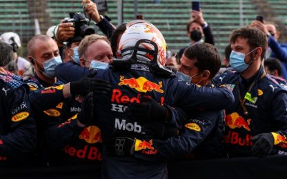 Verstappen vince a Imola. Leclerc 4°, Sainz 5°