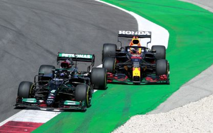 GP Spagna LIVE: duello Hamilton-Verstappen