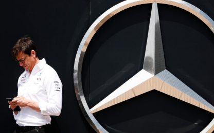 "Wolff a Verstappen: ""Provare a rallentarli? Ovvio"""