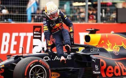Pole a Verstappen, Hamilton 2° Sainz 5°
