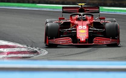Sainz si esalta, ma che duello Verstappen-Hamilton