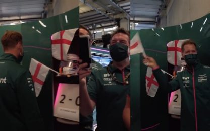 Vettel paga pegno: sventola la bandiera inglese