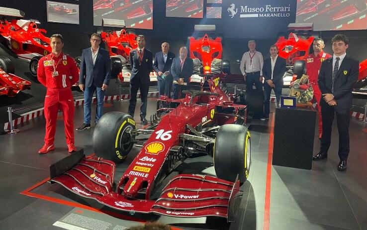 Leclerc al museo Ferrari