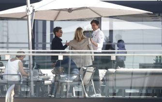 SILVERSTONE CIRCUIT, UNITED KINGDOM - JULY 18: Tom Cruise with Toto Wollf during the British GP at Silverstone Circuit on Sunday July 18, 2021 in Northamptonshire, United Kingdom. (Photo by Andy Hone / LAT Images)