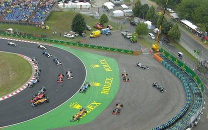 """Bottas e Stroll fanno """"strike"""", caos al via del GP"""