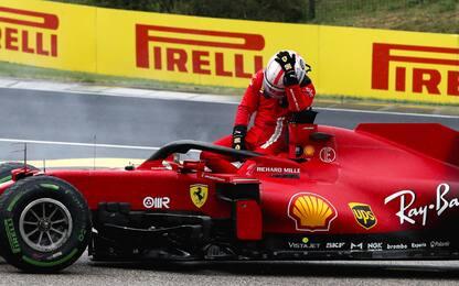 Beffa Leclerc: motore ko dopo incidente con Stroll