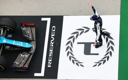 Ocon vince una gara pazza, Hamilton 3°. Sainz 4°