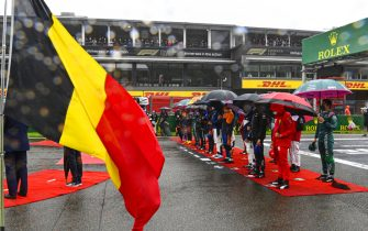 CIRCUIT DE SPA FRANCORCHAMPS, BELGIUM - AUGUST 29: The drivers stand on the grid for the national anthem prior to the start during the Belgian GP at Circuit de Spa Francorchamps on Sunday August 29, 2021 in Spa, Belgium. (Photo by Mark Sutton / Sutton Images)