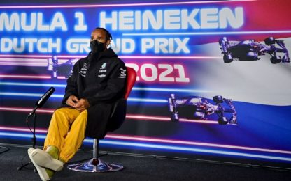"""Lewis: """"Russell forte, ma pieno supporto a Bottas"""""""