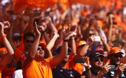 Vince Verstappen: il boato dei tifosi in Olanda
