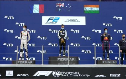 F2, Piastri in fuga: vince la Feature Race