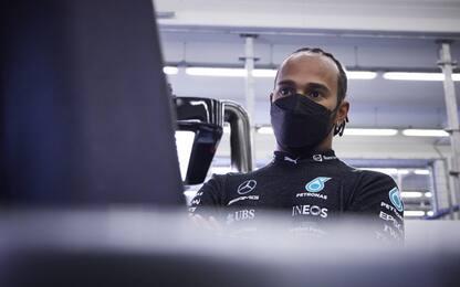 """Hamilton: """"Perso punti, devo parlare con il team"""""""