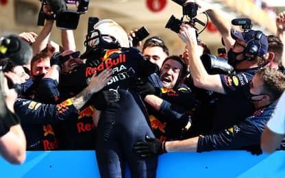 Verstappen vince davanti a Hamilton, Leclerc 4°