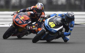 NORTHAMPTON, ENGLAND - SEPTEMBER 02:  Bo Bendsneyder of Netherlands and Red Bull KTM Ajo and Lorenzo Dalla Porta of Italy and Sky Racing Team VR46 (R) round the bend during the MotoGp Of Great Britain - Free Practice at Silverstone Circuit on September 2, 2016 in Northampton, England.  (Photo by Mirco Lazzari gp/Getty Images)