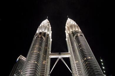 Sky VR46: luci a Sepang, un viaggio nella storia