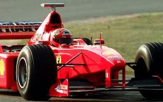 19990118 - MARANELLO (MODENA) - BIAGGI PROVA LA FERRARI F300 A MARANELLO. Max Biaggi a bordo della Ferrari F300 di formula 1 con la quale ha compiuto alcuni giri di pista sul circuito di Fiorano.               GIORGIO BENVENUTI       ANSA
