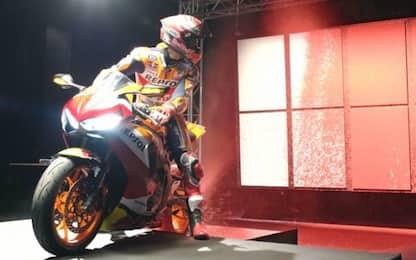 Marquez diventa pittore: dipinge con la Honda