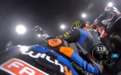 Moto2, Marini a terra all'ultima curva. VIDEO
