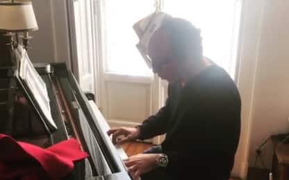 """Meda suona il piano: """"Voglia di MotoGP!"""". VIDEO"""