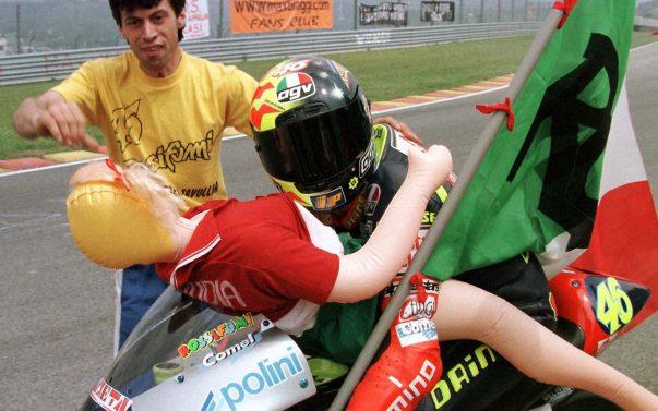 Rossi e l'esultanza del Mugello nel 1997