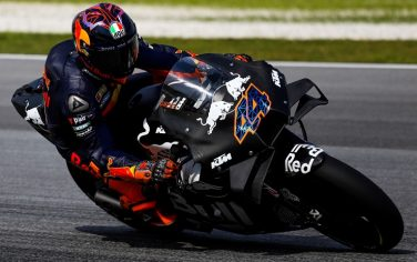 SEPANG, SELANGOR, MALAYSIA - FEBRUARY 8: Red Bull KTM Factory Racing Spanish rider Pol Espargaro rounds the bend during the MotoGP pre-season test at Sepang International Circuit on February 8, 2020 in Sepang, Selangor, Malaysia. (Photo by Sadiq Asyraf/Getty Images)