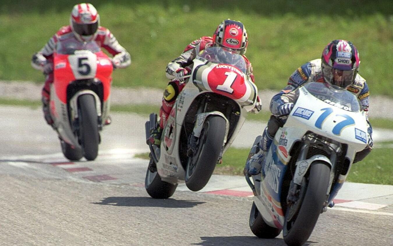 Alberto Puig (17), Kevin Schwantz (1) e Luca Cadalora (5) al Grand Prix d'Austria del 1994, classe 500