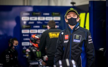 VALENCIA, SPAIN - NOVEMBER 06: Valentino Rossi of Italy and Monster Energy Yamaha MotoGP visits his garage at the end of FP2 after his quarantine (regarding the corona virus) during the free practice for the MotoGP of Europe at Comunitat Valenciana Ricardo Tormo Circuit on November 06, 2020 in Valencia, Spain. (Photo by Steve Wobser/Getty Images)