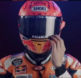 Marc Marquez svela il casco del 2021. VIDEO