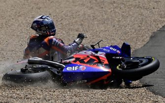 Red Bull KTM Tech 3's Portuguese rider Miguel Oliveira crashes during the MotoGP race during the Andalucia Grand Prix at the Jerez race track in Jerez de la Frontera on July 26, 2020. (Photo by JAVIER SORIANO / AFP) (Photo by JAVIER SORIANO/AFP via Getty Images)