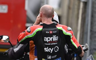 LE MANS CIRCUIT BUGATTI, FRANCE - OCTOBER 09: Bradley Smith, Aprilia Racing Team Gresini, after crash during the French GP at Le Mans Circuit Bugatti on October 09, 2020 in Le Mans Circuit Bugatti, France. (Photo by Gold and Goose / LAT Images)
