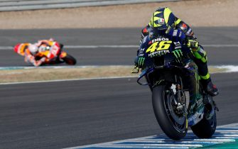 epa08553320 Italian MotoGP rider Valentino Rossi (R), of Monster Energy Yamaha MotoGP team, is followed by Spaniard Marc Marquez (L), of Repsol Honda team during a free training session ahead of Spain GP race at Circuito de Jerez-Angel Nieto circuit in Jerez de la Frontera, southern Spain, 18 July 2020. The race will be held on 19 July behind closed doors due to COVID-19 disease.  EPA/ROMAN RIOS