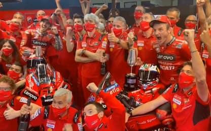 Da Bagnaia a Miller, la festa al box Ducati. VIDEO