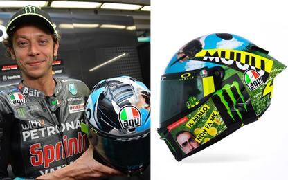 Rossi, nuovo casco con la citazione di Elio. FOTO