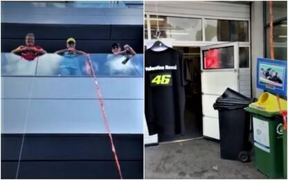 Calano maglia e foto di Rossi per l'autografo!