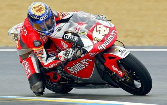 Le Mans, FRANCE:  Spain's Jorge Lorenzo rides his Honda during the 250cc qualifying session on the eve of the French Grand Prix, 14 May 2005 in Le Mans. He placed third of this session. AFP PHOTO VALERY HACHE  (Photo credit should read VALERY HACHE/AFP via Getty Images)
