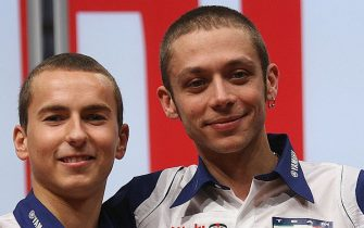 Italian rider Valentino Rossi (R) and Spanish rider Jorge Lorenzo pose  during the presentation of the Fiat Yamaha Team at Lingotto in Turin, 18 January 2008. AFP PHOTO / GIUSEPPE CACACE (Photo credit should read GIUSEPPE CACACE/AFP via Getty Images)