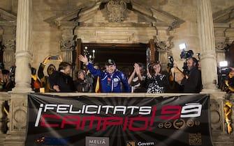 Spanish Moto GP world champion Jorge Lorenzo (C) waves to fans during the celebration of his third MotoGP world title, in Palma de Mallorca on November 12, 2015. AFP PHOTO/ JAIME REINA        (Photo credit should read JAIME REINA/AFP via Getty Images)