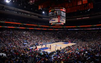 PHILADELPHIA - DECEMBER 01:  A wide angle view at the Wells Fargo Center during the Los Angeles Lakers game against the Philadelphia 76ers on December 1, 2015 in Philadelphia, Pennsylvania. NOTE TO USER: User expressly acknowledges and agrees that, by downloading and or using this photograph, User is consenting to the terms and conditions of the Getty Images License Agreement. Mandatory Copyright Notice: Copyright 2015 NBAE  (Photo by David Dow/NBAE via Getty Images)