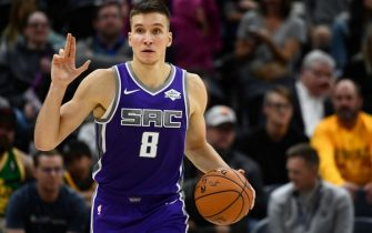 SALT LAKE CITY, UT - OCTOBER 14:  Bogdan Bogdanovic #8 of the Sacramento Kings directs his team against the Utah Jazz in a preseason game at Vivint Smart Home Arena on October 14, 2019 in Salt Lake City, Utah. NOTE TO USER: User expressly acknowledges and agrees that, by downloading and or using this photograph, User is consenting to the terms and conditions of the Getty Images License Agreement.  (Photo by Alex Goodlett/Getty Images)