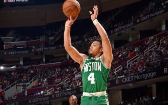 CLEVELAND, OH - OCTOBER 15: Carsen Edwards #4 of the Boston Celtics shoots the ball against the Cleveland Cavaliers during a pre-season game on October 15, 2019 at Quicken Loans Arena in Cleveland, Ohio. NOTE TO USER: User expressly acknowledges and agrees that, by downloading and/or using this Photograph, user is consenting to the terms and conditions of the Getty Images License Agreement. Mandatory Copyright Notice: Copyright 2019 NBAE (Photo by David Liam Kyle/NBAE via Getty Images)