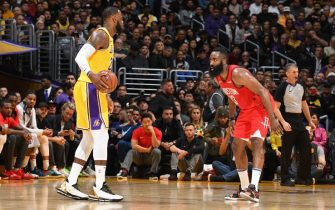 LOS ANGELES, CA - FEBRUARY 21:  LeBron James #23 of the Los Angeles Lakers handles the ball against James Harden #13 of the Houston Rockets on February 21, 2019 at STAPLES Center in Los Angeles, California. NOTE TO USER: User expressly acknowledges and agrees that, by downloading and/or using this Photograph, user is consenting to the terms and conditions of the Getty Images License Agreement. Mandatory Copyright Notice: Copyright 2019 NBAE (Photo by Andrew D. Bernstein/NBAE via Getty Images)