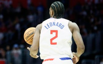 LOS ANGELES, CA - OCTOBER 10: Kawhi Leonard #2 of the LA Clippers handles the ball against the Denver Nuggets during a pre-season game on October 10, 2019 at STAPLES Center in Los Angeles, California. NOTE TO USER: User expressly acknowledges and agrees that, by downloading and/or using this Photograph, user is consenting to the terms and conditions of the Getty Images License Agreement. Mandatory Copyright Notice: Copyright 2019 NBAE (Photo by Chris Elise/NBAE via Getty Images)