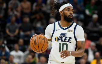 SALT LAKE CITY, UT - OCTOBER 14:  Mike Conley #10 of the Utah Jazz looks for a pass during a preseason game against the Sacramento Kings at Vivint Smart Home Arena on October 14, 2019 in Salt Lake City, Utah. NOTE TO USER: User expressly acknowledges and agrees that, by downloading and or using this photograph, User is consenting to the terms and conditions of the Getty Images License Agreement.  (Photo by Alex Goodlett/Getty Images)