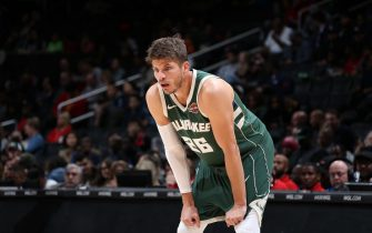 WASHINGTON, DC - OCTOBER 13: Kyle Korver #26 of the Milwaukee Bucks looks on against the Washington Wizards during a pre-season game on October 13, 2019 at Capital One Arena in Washington, DC. NOTE TO USER: User expressly acknowledges and agrees that, by downloading and or using this Photograph, user is consenting to the terms and conditions of the Getty Images License Agreement. Mandatory Copyright Notice: Copyright 2019 NBAE (Photo by Stephen Gosling/NBAE via Getty Images)