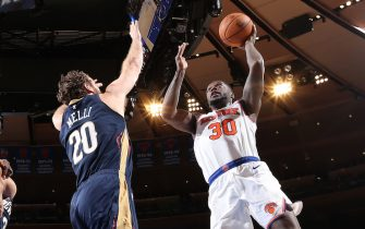 NEW YORK, NY - OCTOBER 18: Julius Randle #30 of the New York Knicks shoots the ball against the New Orleans Pelicans during a pre-season game on October 18, 2019 at Madison Square Garden in New York City, New York. NOTE TO USER: User expressly acknowledges and agrees that, by downloading and or using this photograph, User is consenting to the terms and conditions of the Getty Images License Agreement. Mandatory Copyright Notice: Copyright 2019 NBAE  (Photo by Nathaniel S. Butler/NBAE via Getty Images)